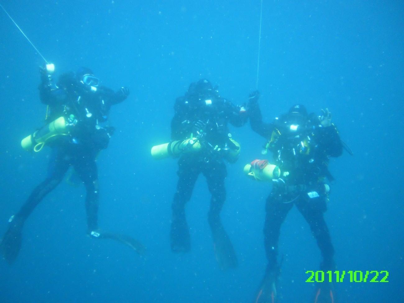 Paragem de descopressão deposi de um mergulho com equipamentos de circuito fechado (rebreathers) com TRIMIX